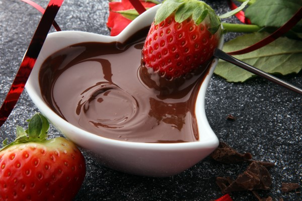 Chocolate Fondue with Strawberries & Champagne