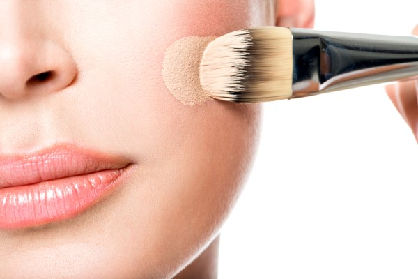 Top Five Ways To Enhance Your Features With Makeup
